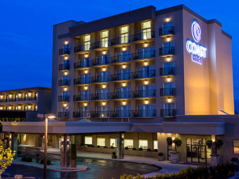 Exterior view of the Coast Capri Hotel in Kelowna, BC